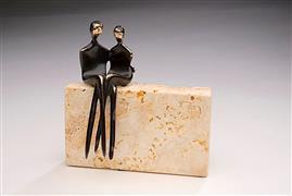 People art,Minimalism art,Representational art,sculpture,Caress